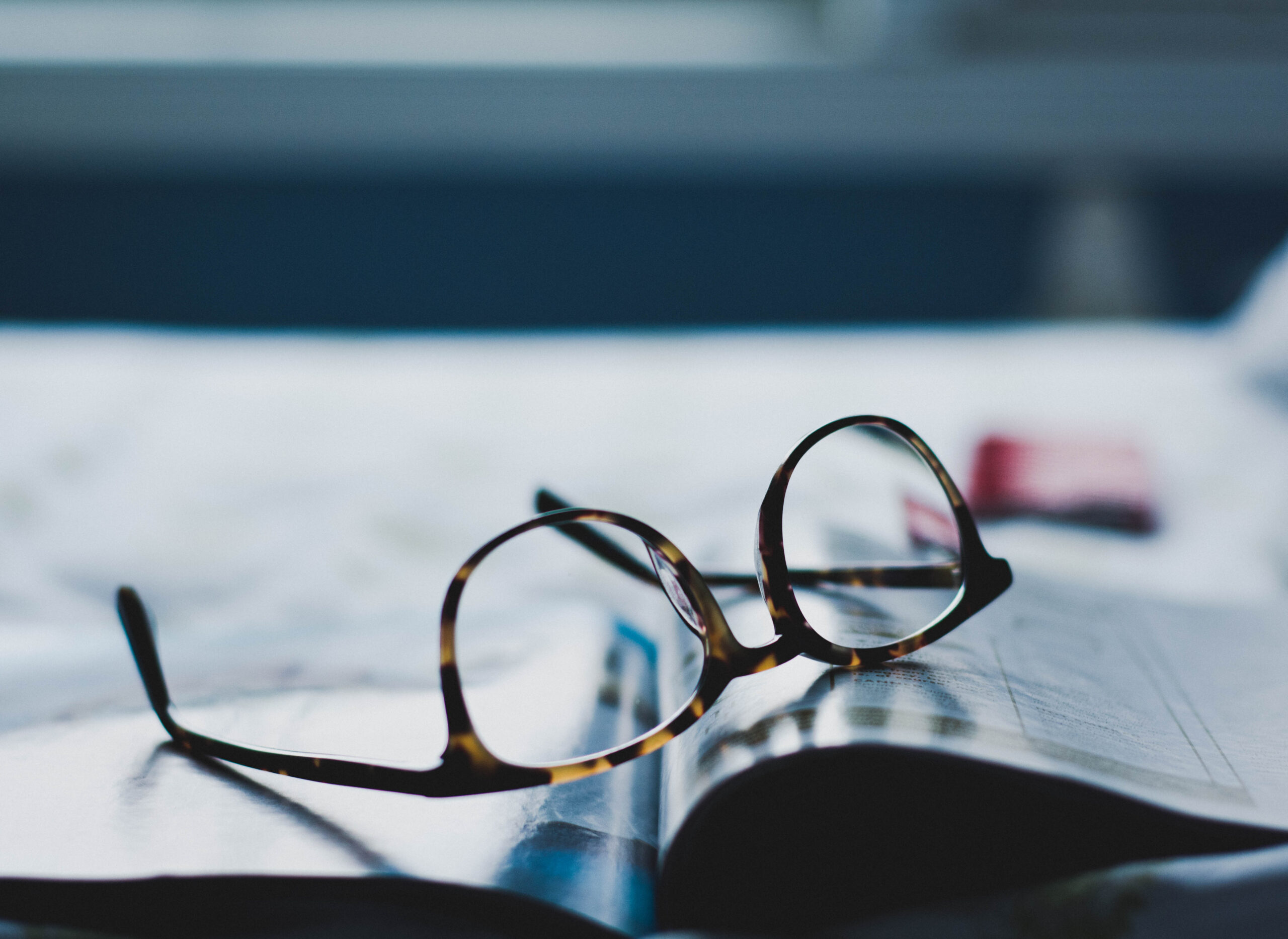 free eyeglasses for holocaust survivors