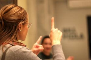 JSSA Deaf Social Club touring American Art Museum
